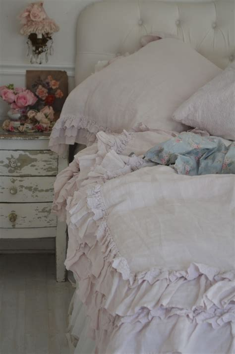 shabby chic vintage bedding best 25 ruffle bedspread ideas on pinterest ruffle