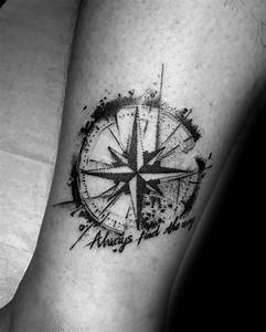 Kompass Tattoo Mann : 50 small compass tattoos for men navigation ink design ideas ~ Frokenaadalensverden.com Haus und Dekorationen