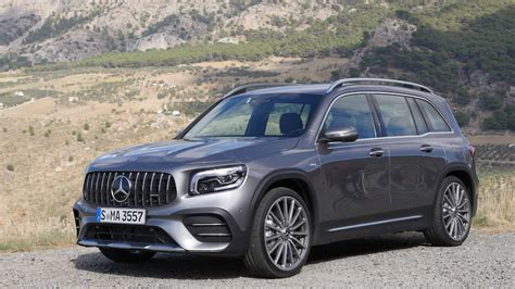 It's fairly rapid in a straight line and (caveat alert) for an suv it's reasonably grippy and composed. Mercedes GLB 35 AMG Fahrbericht - Autogefühl