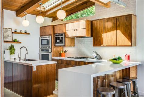 midcentury modern kitchen designs showcasing contrast
