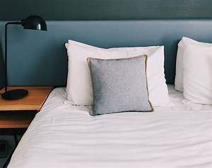 a, guide, to, buying, a, bed, pillow
