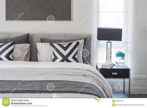 chambre en noir et blanc style moderne noir et blanc de chambre à coucher avec la