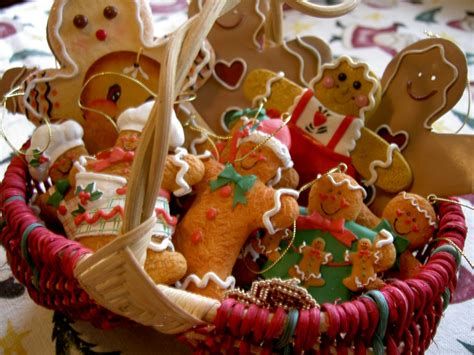 24 Cute Christmas Gingerbread Decoration Ideas Creative Small Bathrooms Rustic Master Bathroom Ideas Shower Stalls Cheap White Tiles Online Design Decorating Accent Wall Remodeling For