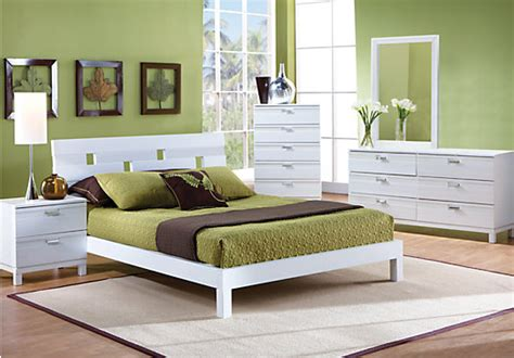 Gardenia White 5 Pc Queen Platform Bedroom  Bedroom Sets