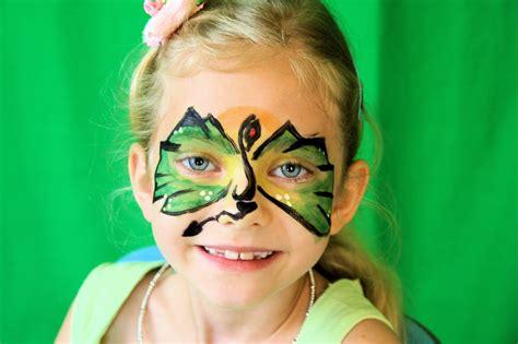 kinderschminken drachen gesicht kindergeburtstag planende