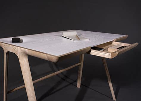 bureau bois design contemporain l 39 objet pratique et design desk de studio