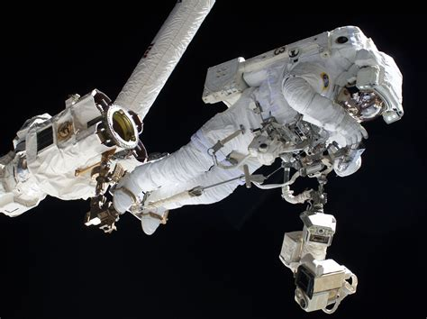 NASA Cuts Spacewalk Short after Water Leak inside ...
