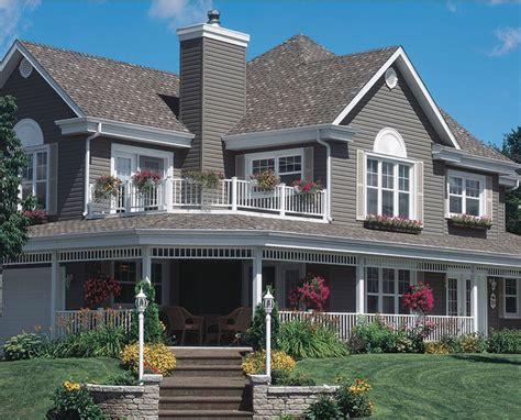 Royal Building Products Royal Crest  Research Vinyl Siding