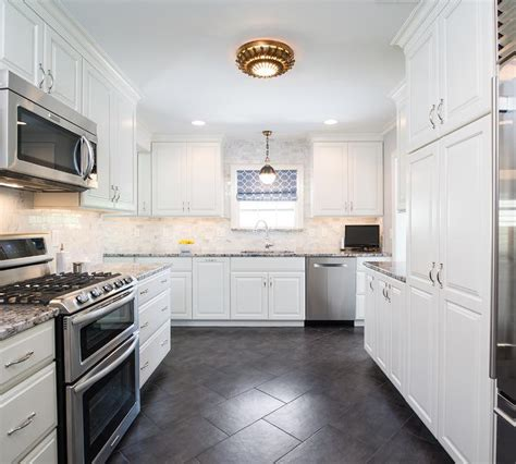 White Kitchen Cabinets With Granite Countertops Photos by White Kitchen Cabinets With Black And Gray Granite