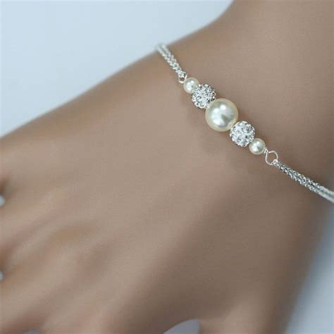 bridesmaid bracelet 25 best ideas about pearl bracelets on armband diy jewelry and beaded jewelry