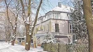 Wer Wohnt In Diesem Haus : dagmar frederic zieht aus ihrer villa aus berlin ~ Frokenaadalensverden.com Haus und Dekorationen