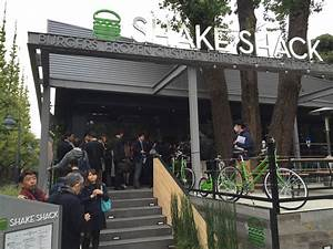 First Shake Shack in Asia opens to long lines in Tokyo ...