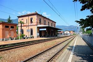 Mandello Del Lario : panoramio photo of stazione ferroviaria di mandello del lario ~ Medecine-chirurgie-esthetiques.com Avis de Voitures