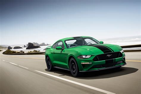 ford mustang   splash    green