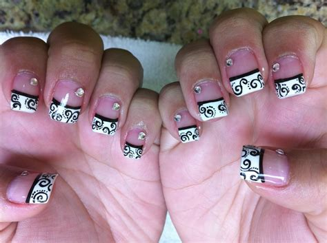 Black And White Tips Designs