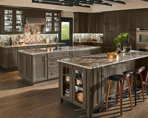 pictures of kitchen backsplashes with granite countertops 5 popular granite kitchen countertop and backsplash pairings 9721