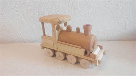 spielzeug selber bauen holz lokomotive aus holz bauanleitung zum selber bauen zuk 252 nftige projekte