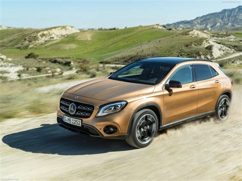 Mercedes Gla Class Photo mercedes gla class photos photogallery with 166
