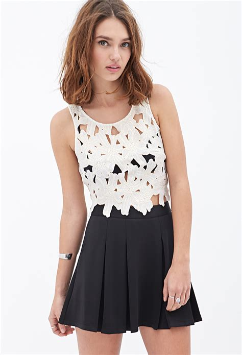 Forever 21 Floral Crochet Crop Top in White | Lyst