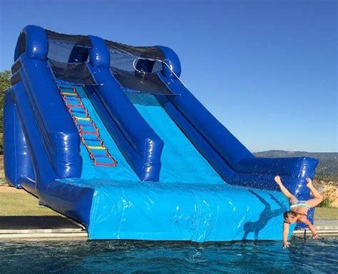 foto de Big Guy Inflatable Pool Slide Inflatable pool Swimming