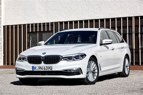 Bmw 5 Series Touring Photo by Bmw 5 Series Touring 2017 Photos Parkers