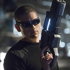 Captain Cold Images: Wentworth Miller in Costume on The ...
