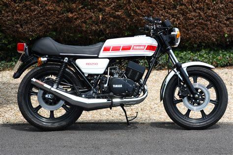 Yamaha Suzuki Of by 1978 Custom Yamaha Rd250 Caf 233 Racer Yamaha Motorbikes