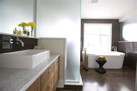 Interior: Charming Design Ideas Using Large Tile Bathroom