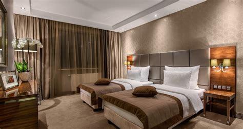Hotel twin bedroom   Marianna Wilford