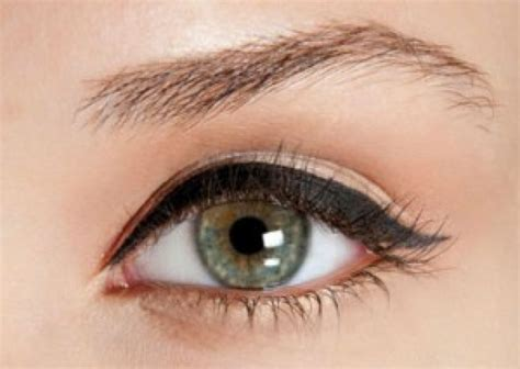 formas de delinear tus ojos  cada ocasion