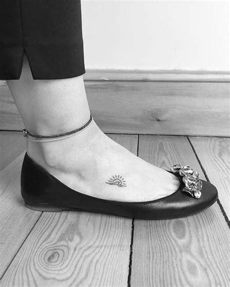 25 Awesome Foot Tattoos for Women - crazyforus