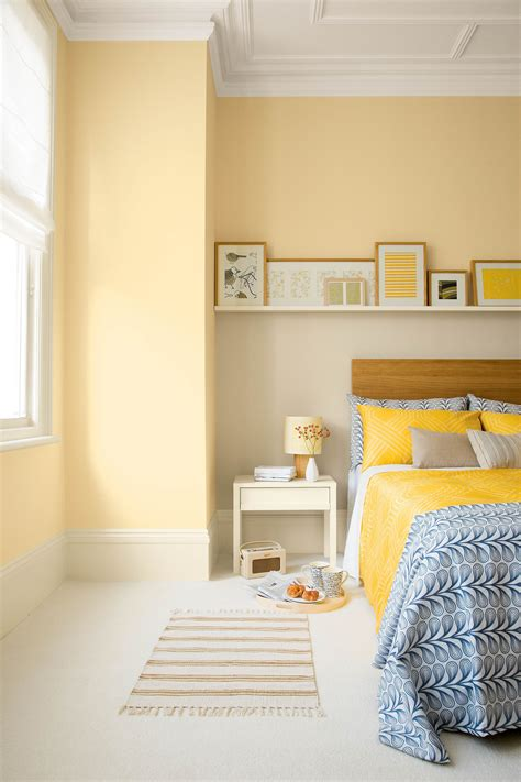 Decorating Ideas For Yellow Bedrooms by Yellow Aesthetic Bedroom Decorating Ideas 23