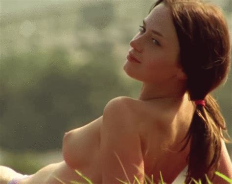 Emily Bluntgif In Gallery Celebrity Nude Gifs Picture