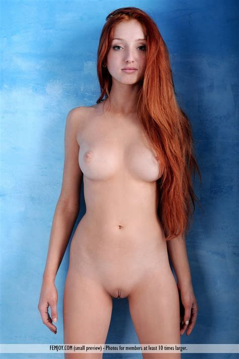 Redhead Marga Shows Off Her Big Firm Tits At Busty Girls Blog