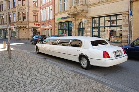 Best Limo Service by Hire Best Limo Service For A Grand Bachelorette
