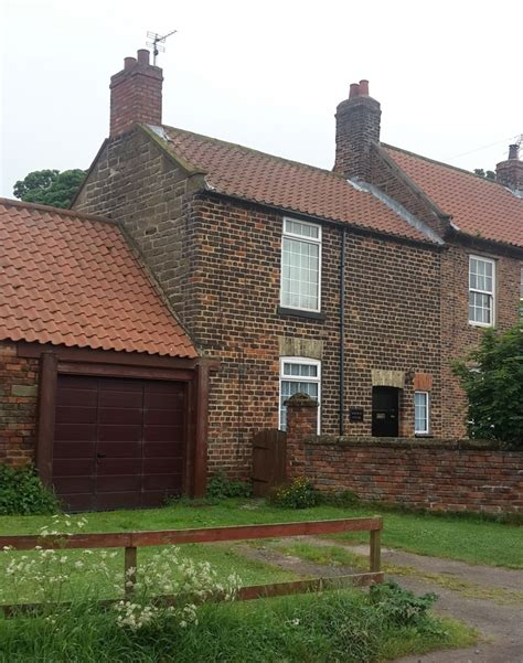 Cottage To Let Cottage To Let In Lackenby The Letting Agents Ltd