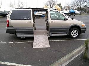 Purchase Used 2004 Pontiac Montana Handicap Wheelchair Ramp Van Low Miles 12 063 In Greenwich