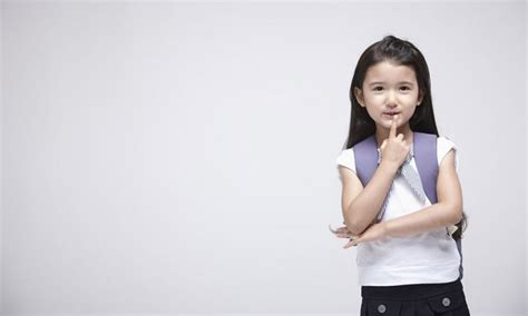 when should my child start school momcenter philippines 993 | Preschool or Kinder – At What Age Should My Child Start School res 696x418