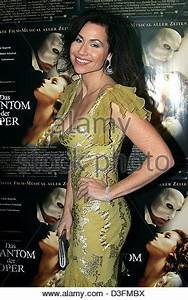 MINNIE DRIVER THE PHANTOM OF THE OPERA (2004 Stock Photo ...