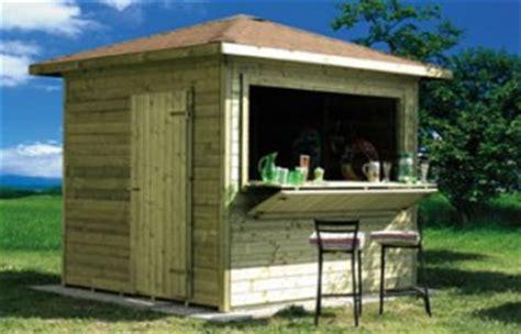 customiser un bureau en bois abri de jardin ou garage l aménagement malin quot ma