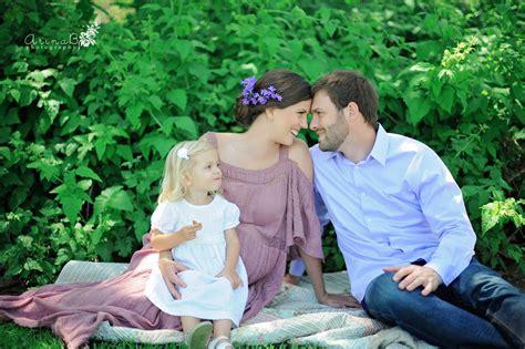 joy  smiles maturnity family photography arina