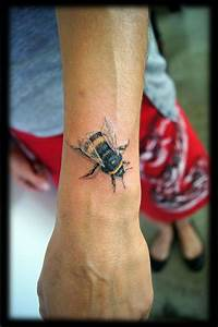 Tattoo Vorlagen Handgelenk : 1001 ideen f r handgelenk tattoo werden sie unique im trend ~ Frokenaadalensverden.com Haus und Dekorationen