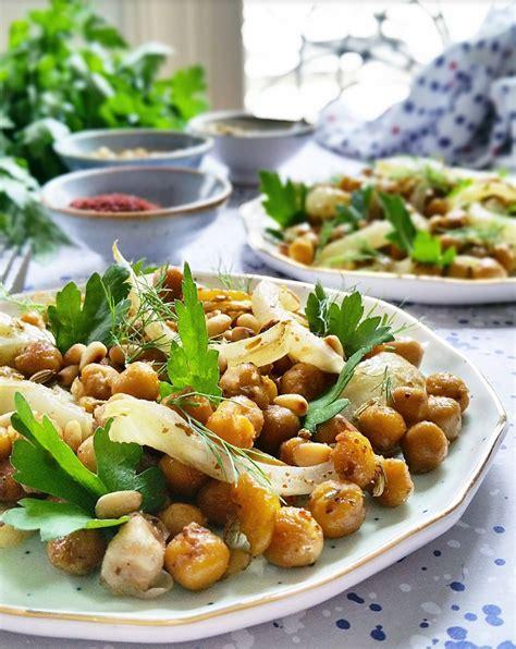 cuisiner les pois chiches salade de pois chiches fenouil bulbe et graines rôties