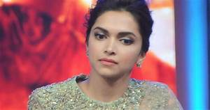 Deepika Padukone Looks Stunning In Saree At Film 'Happy ...