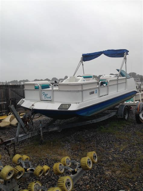 1993 Godfrey Hurricane Deck Boat by Godfrey Marine Hurricane Deck 1993 For Sale For 1