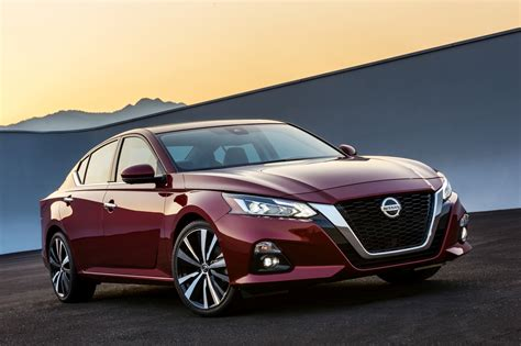 The 2019 Nissan Altima Is Here, With Variable Compression
