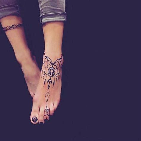 tatouage sur le pieds cochese tattoo