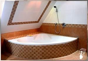 Badewanne Unter Dachschräge : josef zistler eck badewanne unter der dachschr ge mit ~ Lizthompson.info Haus und Dekorationen