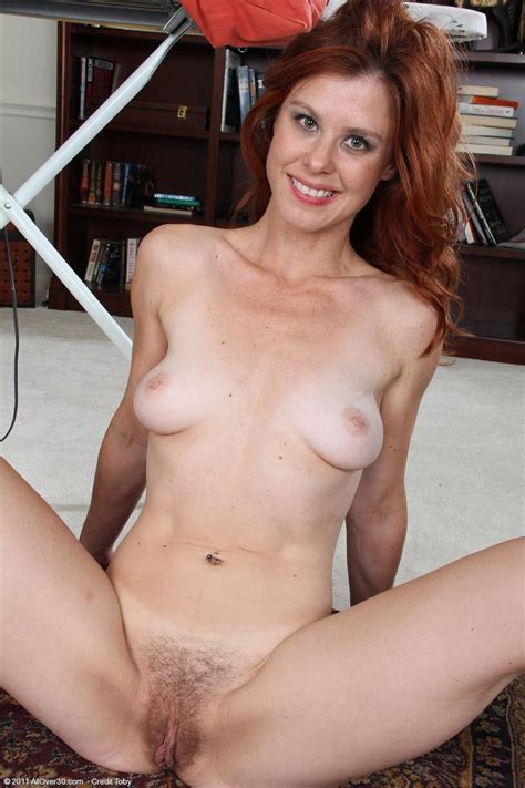 Sexy All Natural Redhead Housewife Naked On The Floor Pichunter