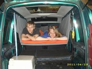 Im Auto übernachten : schlafen im renault kangoo kc bj 1997 2009 bequem ~ Kayakingforconservation.com Haus und Dekorationen
